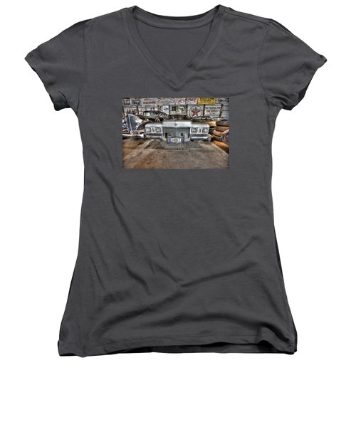 Elvis' Cadillac Women's V-Neck (Athletic Fit)