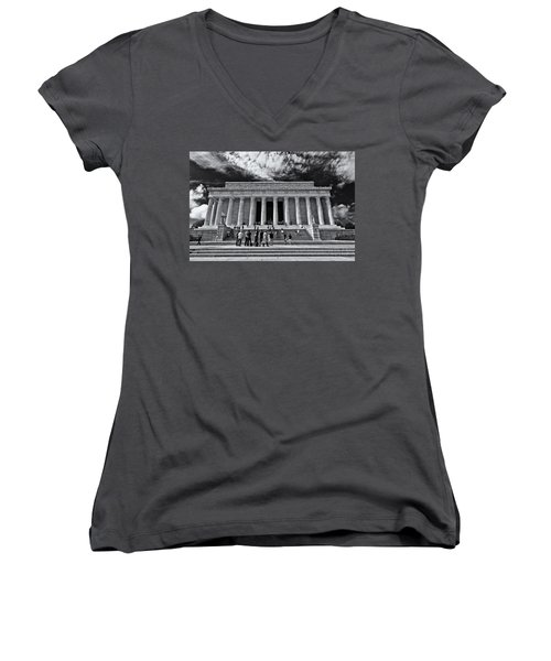 Lincoln Memorial In Black And White Women's V-Neck