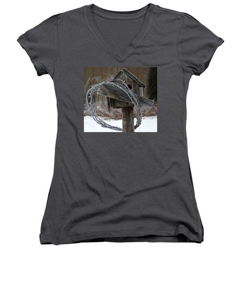 Nobody Home Women's V-Neck T-Shirt