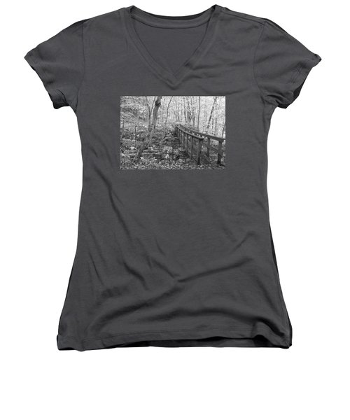 The Crossing Women's V-Neck (Athletic Fit)