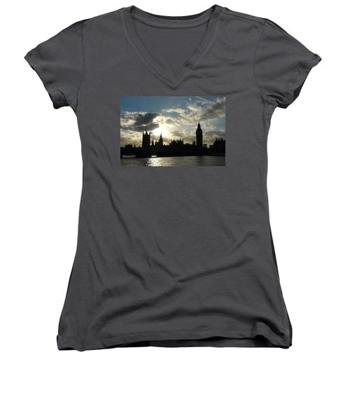 The Outline Of Big Ben And Westminster And Other Buildings At Sunset Women's V-Neck T-Shirt (Junior Cut)