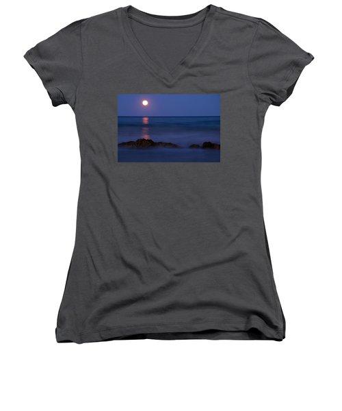 Wells Beach Maine Moonrise Women's V-Neck T-Shirt