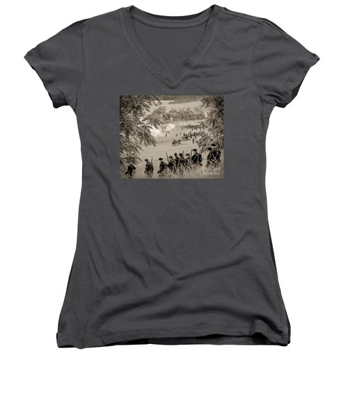 Gettysburg Union Artillery And Infantry 7465s Women's V-Neck