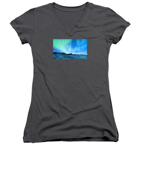 Amazing Northern Light Women's V-Neck T-Shirt