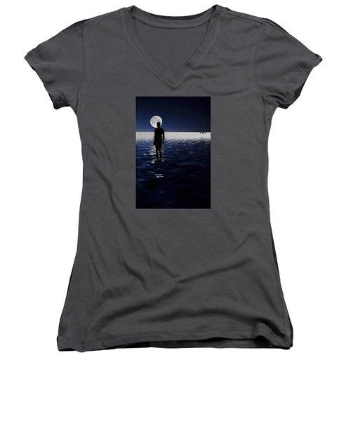 Antony Gormley Statues Crosby Women's V-Neck T-Shirt (Junior Cut) by David French