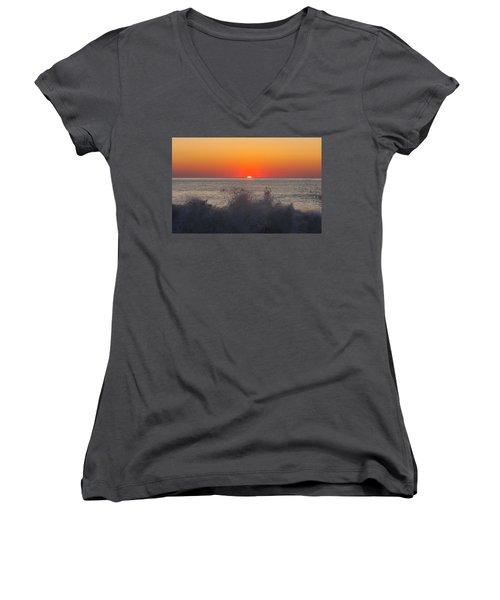 Breaking Wave At Sunrise Women's V-Neck T-Shirt