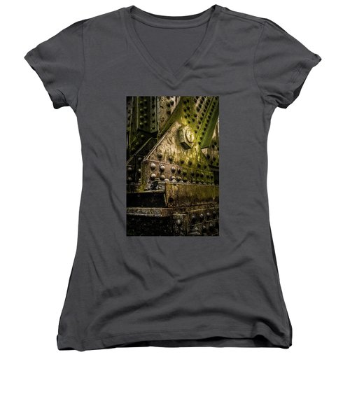 Burden Bearing 3 Women's V-Neck T-Shirt