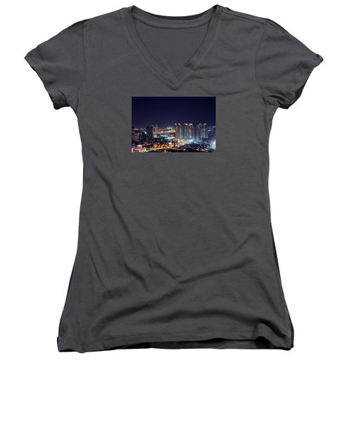 City Night Women's V-Neck (Athletic Fit)