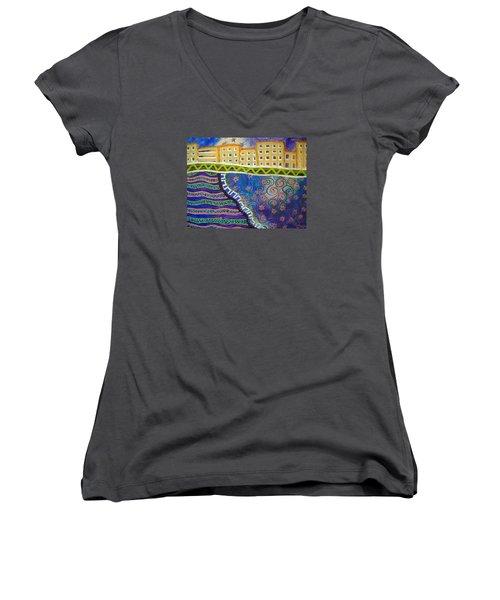 City Scape Women's V-Neck T-Shirt