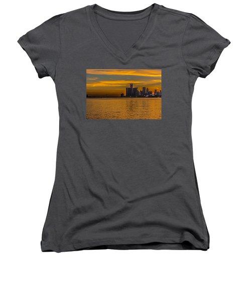 Detroit Sunset Women's V-Neck T-Shirt