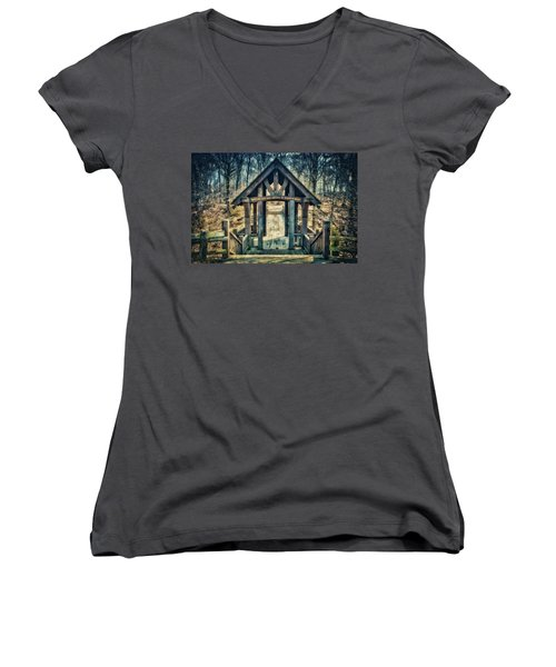 Women's V-Neck T-Shirt (Junior Cut) featuring the photograph Entrance To Seven Bridges - Grant Park - South Milwaukee #3 by Jennifer Rondinelli Reilly - Fine Art Photography