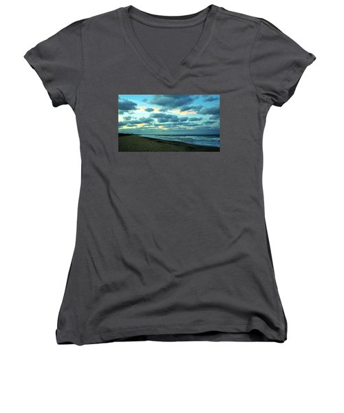Hobe Sound, Fla Women's V-Neck T-Shirt (Junior Cut) by John Wartman