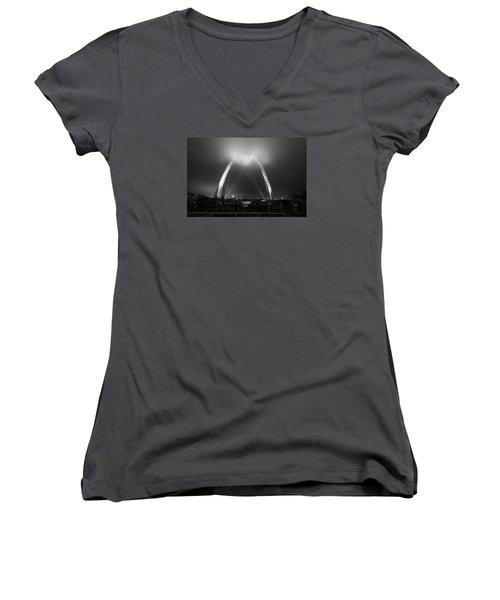 Jefferson Expansion Memorial Gateway Arch Women's V-Neck T-Shirt (Junior Cut) by Matthew Chapman