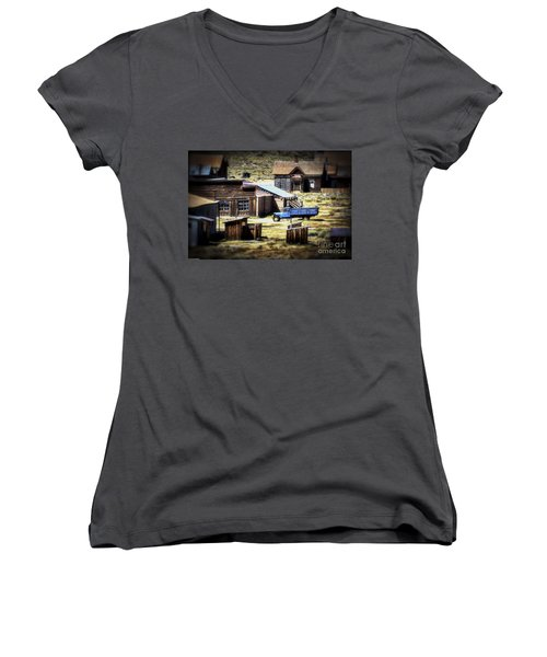 Women's V-Neck T-Shirt (Junior Cut) featuring the photograph Looking Back by Mitch Shindelbower