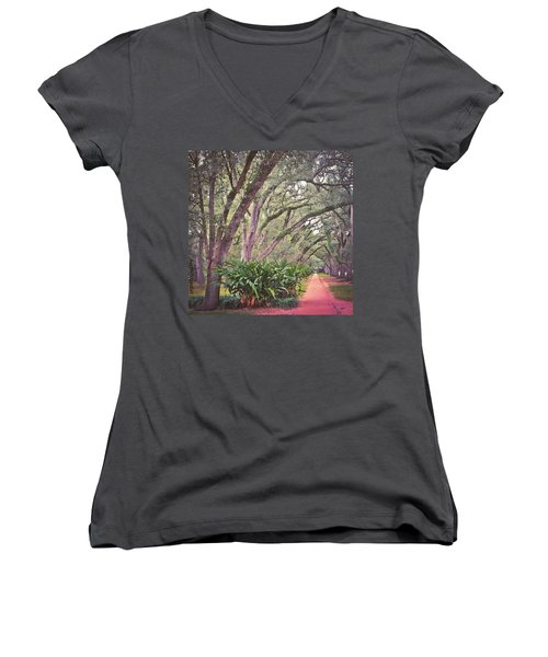 Love The #liveoak #trees And This Women's V-Neck