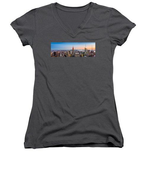New York Skyline Panorama Women's V-Neck T-Shirt