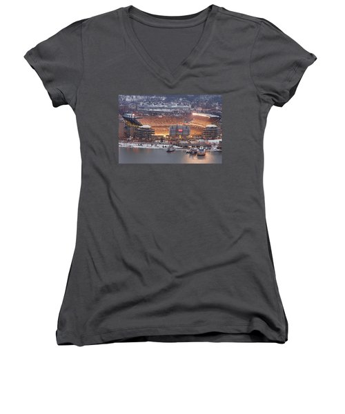 Pittsburgh 4 Women's V-Neck (Athletic Fit)