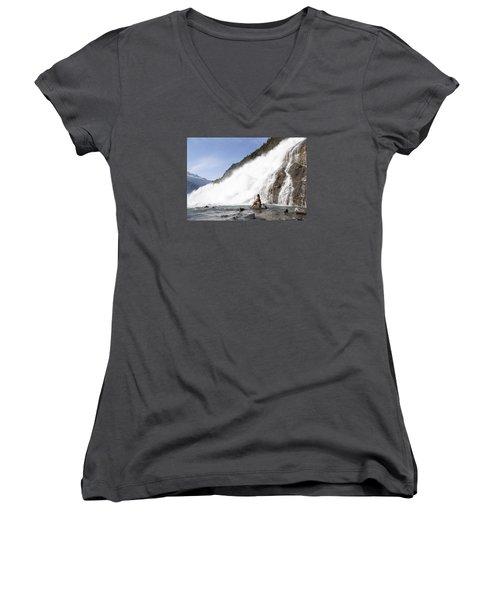 Power Of Love Women's V-Neck T-Shirt