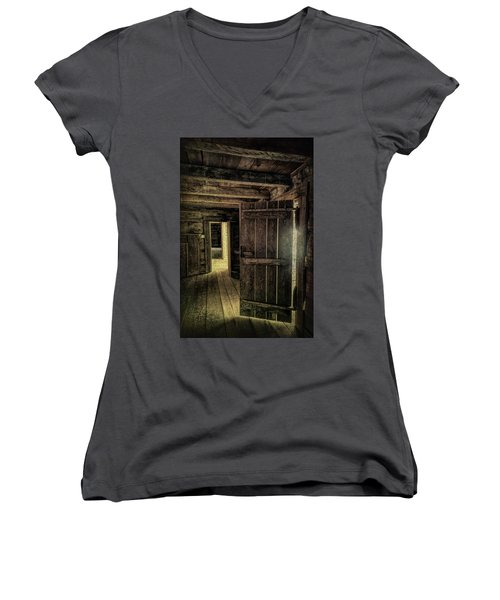 Tipton Cabin Women's V-Neck