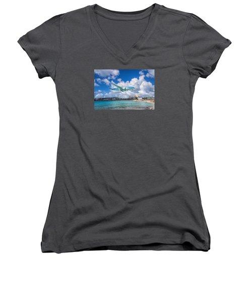 Tui Airlines Netherlands Landing At St. Maarten Airport. Women's V-Neck T-Shirt (Junior Cut) by David Gleeson