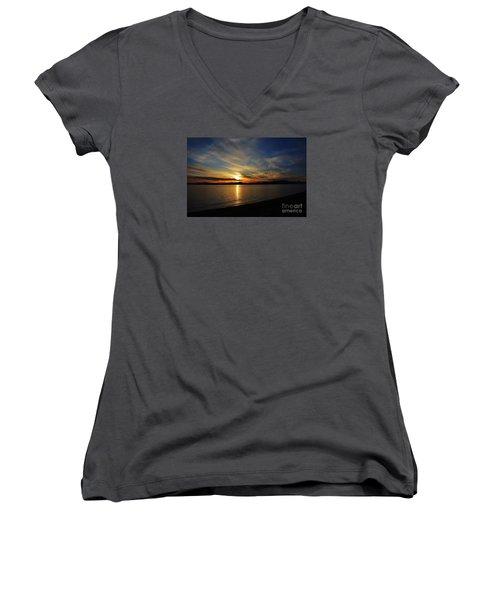 Welcome Beach 2015 3 Women's V-Neck T-Shirt (Junior Cut) by Elaine Hunter