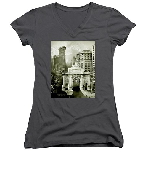 1919 Flatiron Building With The Victory Arch Women's V-Neck T-Shirt