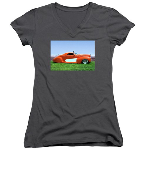 1939 Lincoln Zephyr Coupe Women's V-Neck T-Shirt