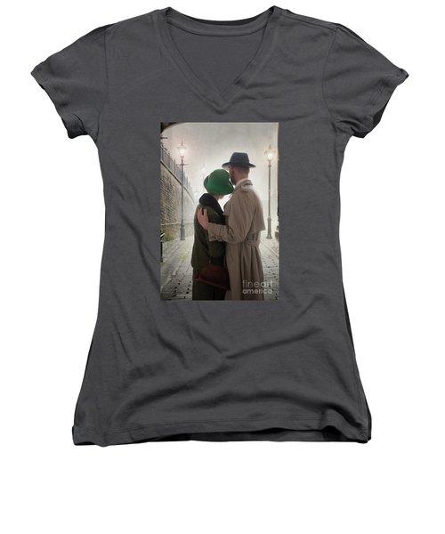 1940s Couple At Dusk  Women's V-Neck T-Shirt