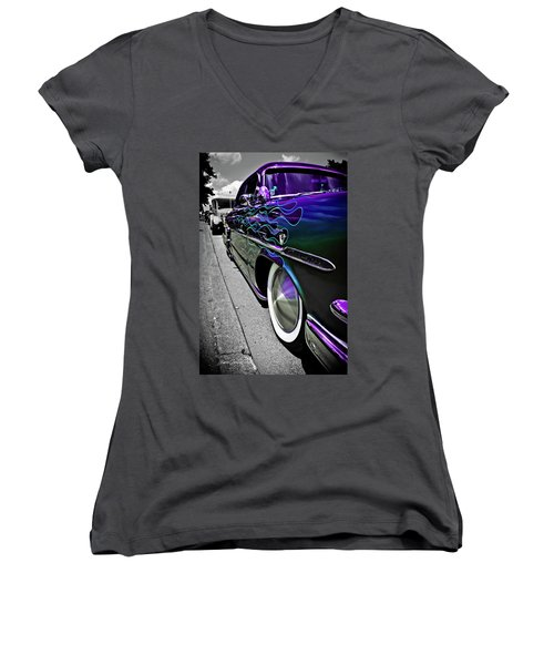 1953 Ford Customline Women's V-Neck T-Shirt