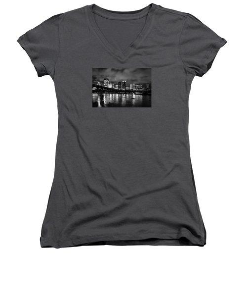 Richmond Skyline At Night Women's V-Neck T-Shirt