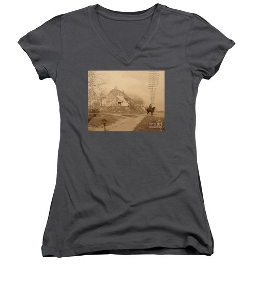 Dyckman Farmhouse  Women's V-Neck T-Shirt