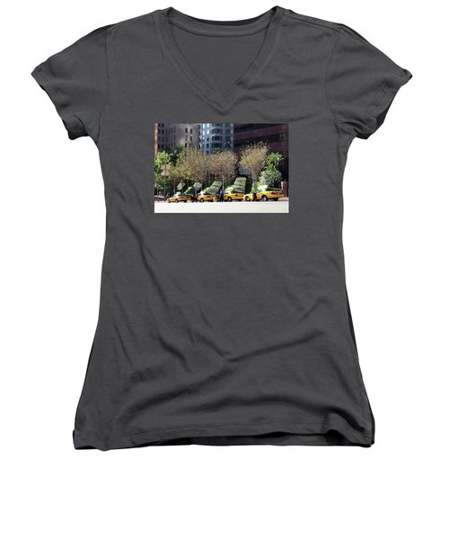 4 Taxis In The City Women's V-Neck