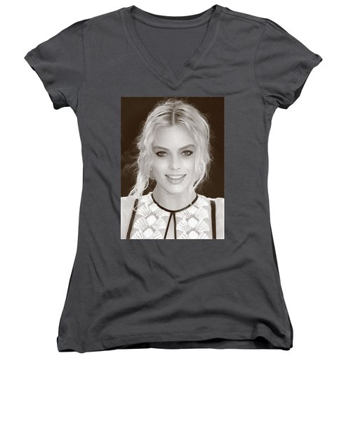 Actress Margot Robbie Women's V-Neck T-Shirt (Junior Cut) by Best Actors