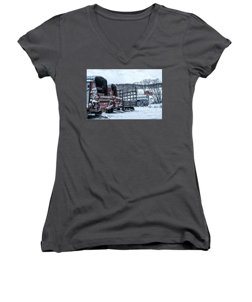 A Farmers Winter Women's V-Neck (Athletic Fit)