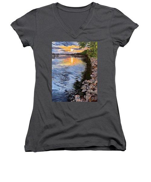 A Fraser River Sunset Women's V-Neck T-Shirt (Junior Cut)