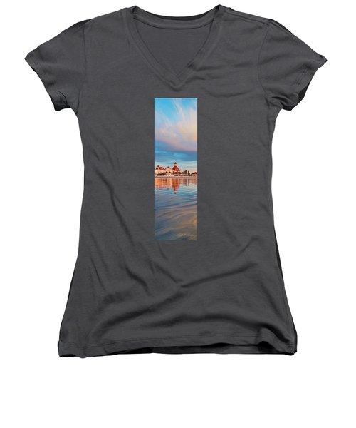 Afloat Panel 3 24x Women's V-Neck T-Shirt