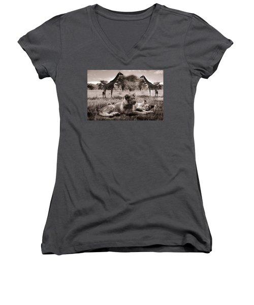 African Life Women's V-Neck T-Shirt