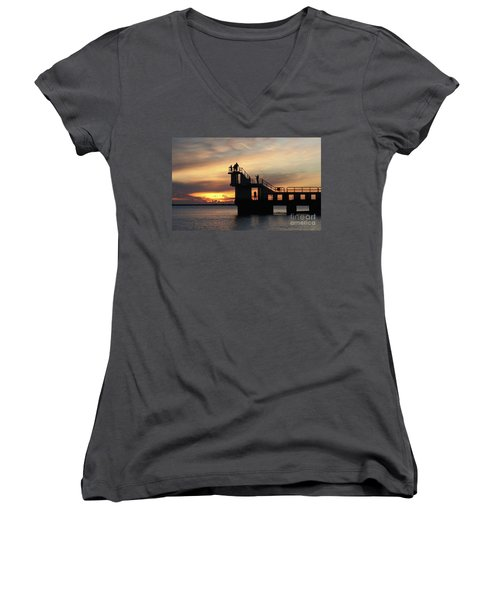 After Sunset Blackrock 5 Women's V-Neck