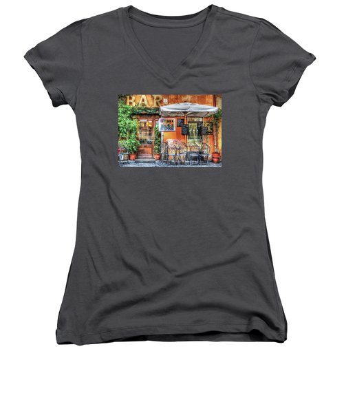 Women's V-Neck T-Shirt featuring the photograph Al Fresco Dining by Bellesouth Studio