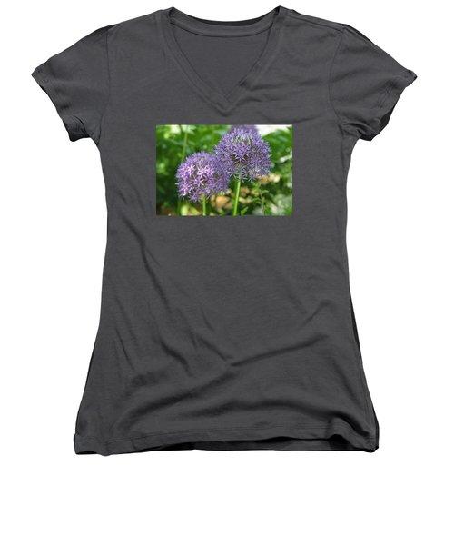 Allium Women's V-Neck