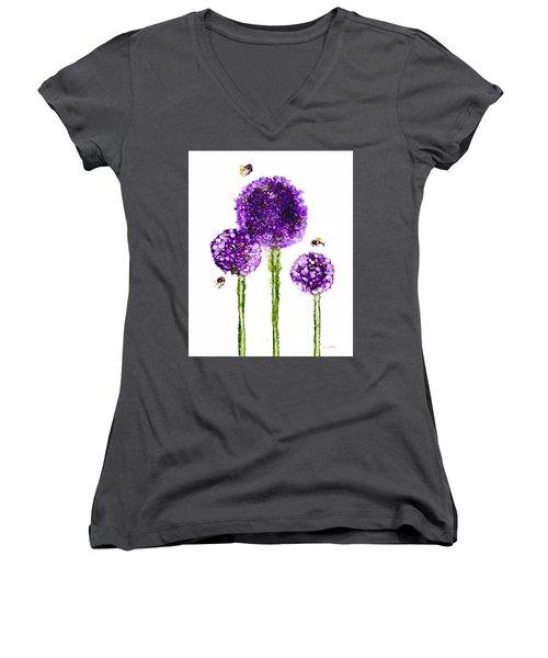 Alliums Humming Women's V-Neck