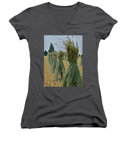 Amish Harvest Women's V-Neck