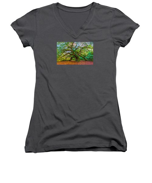 Angel Oak Tree Charleston Sc Women's V-Neck T-Shirt (Junior Cut)