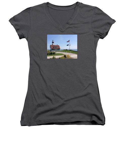 Portland Lighthouse ----- Edit Women's V-Neck T-Shirt