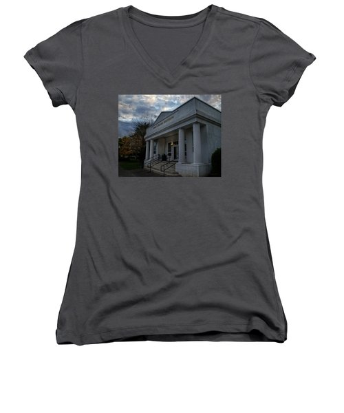Anne G Basker Auditorium In Grants Pass Women's V-Neck T-Shirt (Junior Cut) by Mick Anderson