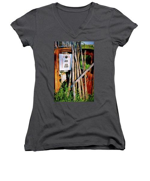 Women's V-Neck T-Shirt (Junior Cut) featuring the photograph Antique Gas Pump by Linda Unger