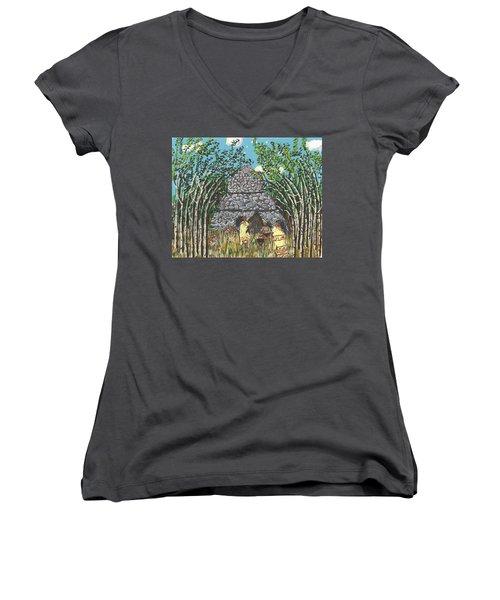 April  The Shaman Calls The Jaguars Women's V-Neck T-Shirt