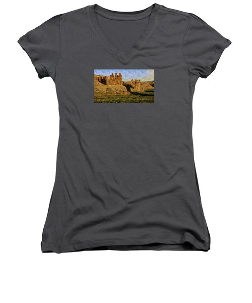 Arches Sunrise Women's V-Neck T-Shirt