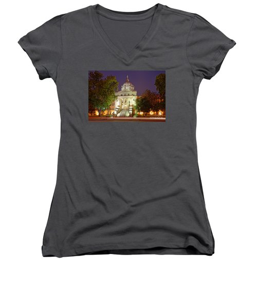 Architectural Photograph Of Mclennan County Courthouse At Dawn - Downtown Waco Central Texas Women's V-Neck