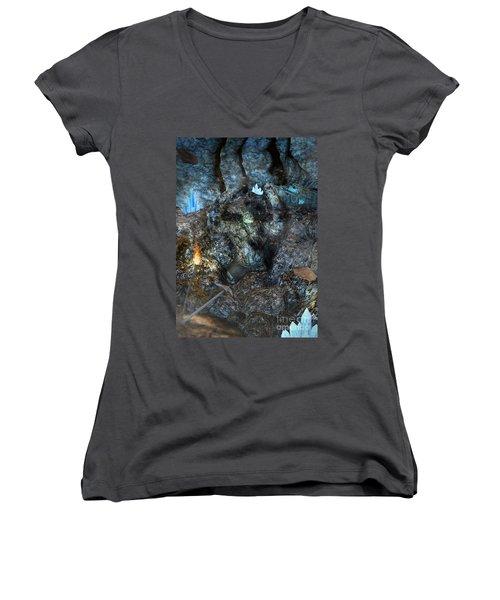 Armagh Women's V-Neck T-Shirt